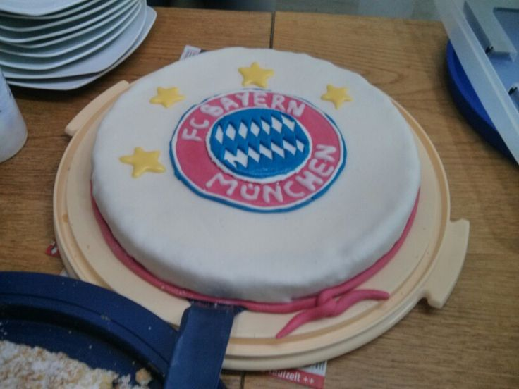 FC Bayern Cake for my cousin's 13th birthday (made in collaboration with my other cousin)