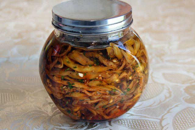 Hoy les propongo hacer una antigua receta italiana a base de berenjenas. Es muy sencilla, aunque hay que ser pacientes por...