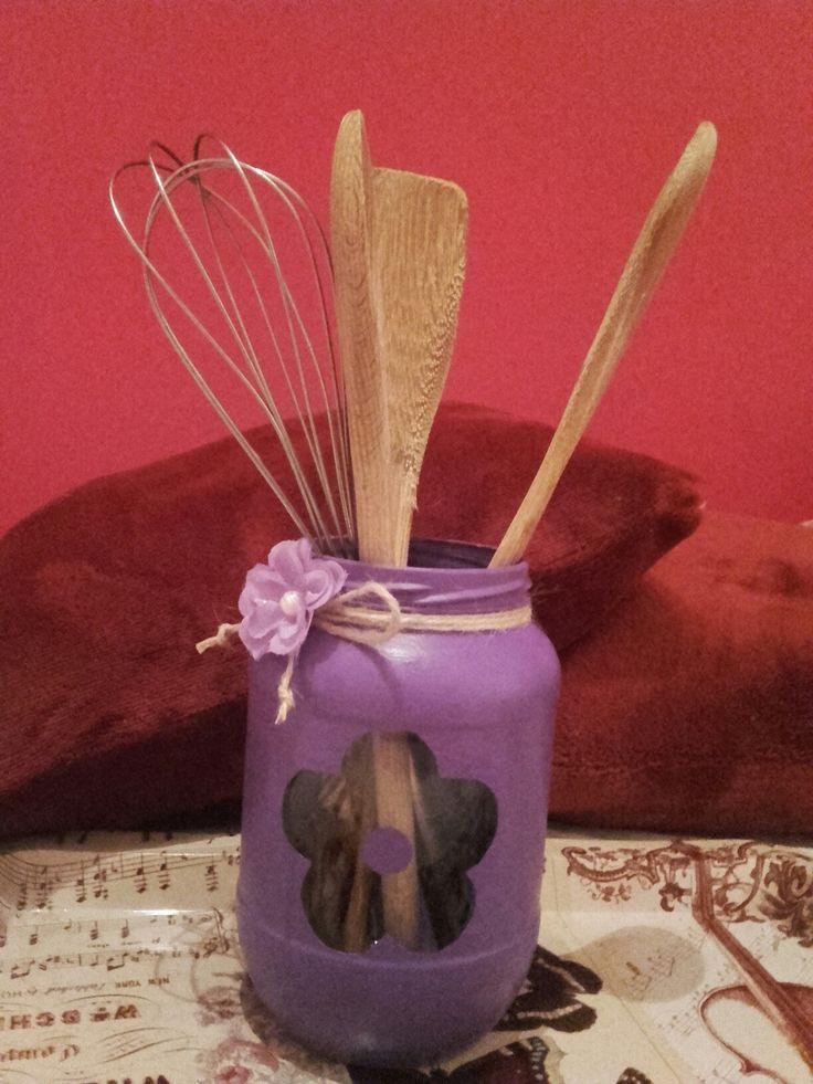 Bote para utensilios de cocina pintado con pintura chalk for Bote utensilios cocina