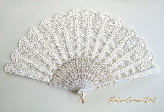 Lace wedding hand fan in IVORY, ecru victorian hand fan, for Bride and Bridesmaids