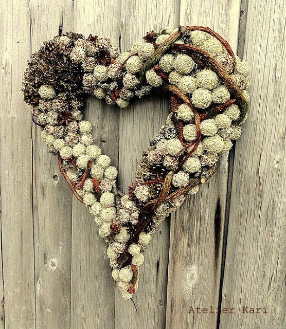 Atelier Kari naturdekorasjoner og kranser: Hjerte for og med Naturmaterialer