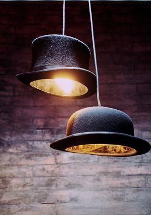 Lamparas sombrero de copa y bombín, un diseño muy British de Jake Phipps http://icono-interiorismo.blogspot.com.es/2014/12/lamparas-sombrero-de-copa-y-bombin-un.html