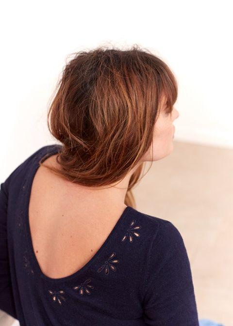 Sézane - Pull Goma• Pull à manches longues, en laine 50% et coton 50%  • Encolure ronde devant et V profond au dos  • Broderie fil en forme de fleurs ajourées sur le haut des épaules et en haut du dos