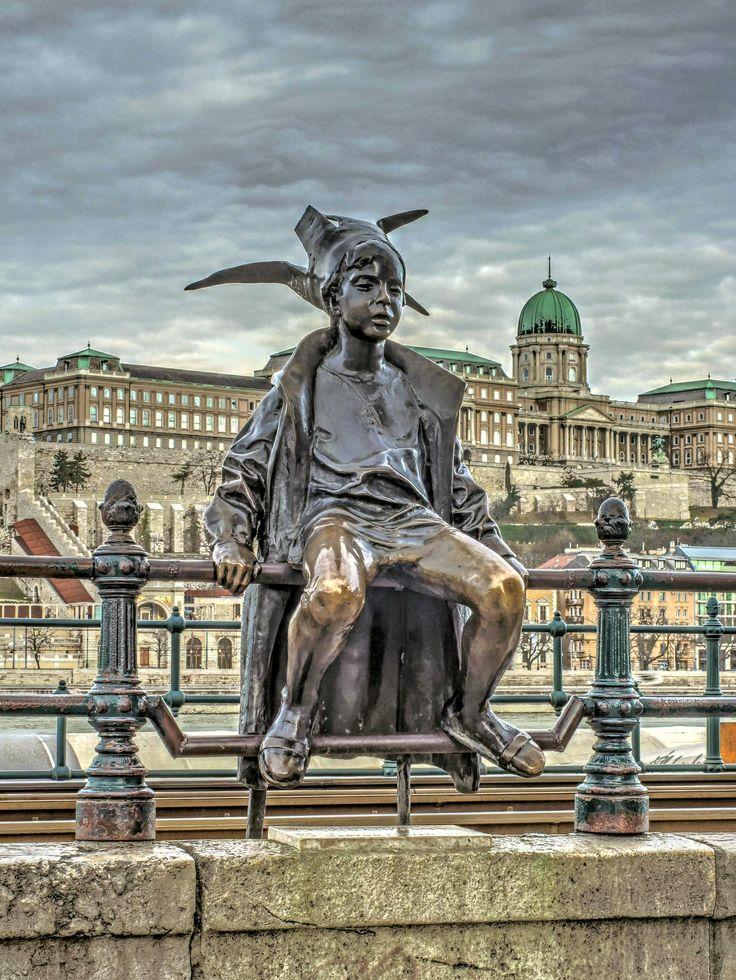 https://flic.kr/p/Sa449W | statue of Little Princess-Budapest(Kiskirálylány szobor-Budapest)