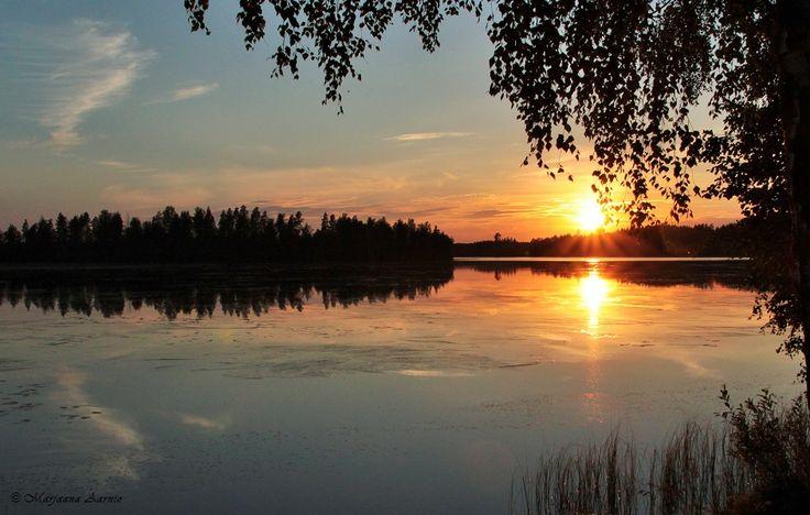 The Midnight Sun in Finland - Pohjolan valoisat kesäyöt