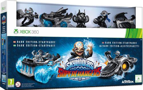 Startpack i sex delar, till Skylanders Superchargers Dark Edition till Xbox 360-konsol. Skylandersäventyret fortsätter och nu är Skylands i riktig fara! Kaos och hans farligaste vapen: undergångens domedagsstation hotar hela Skyla