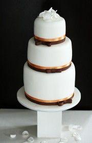 Original design, awesome taste, delicious flavour - this is home made wedding cakes by Vera Marsalli - wedding studio/agency www.verama.cz