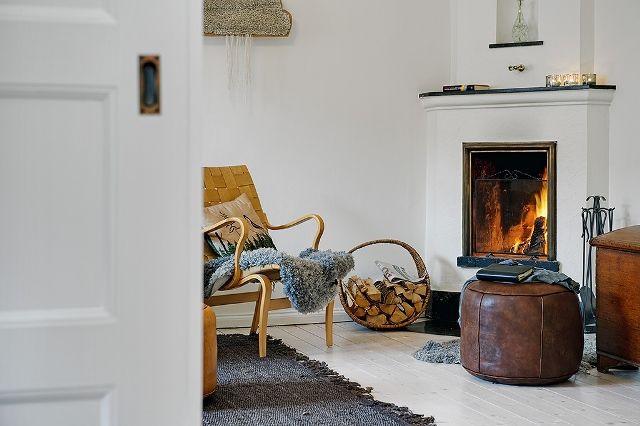 Tegyük otthonossá nappalinkat! Helyezzünk el a #nappaliban sok különböző #fényerejű #fényforrást, ezzel meleg és otthonos atmoszférát hozunk létre