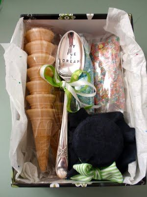 Giggleberry Creations!: Ice Cream Sundae Kit Gift - DIY Nice gift for that special person that loves their ice cream.