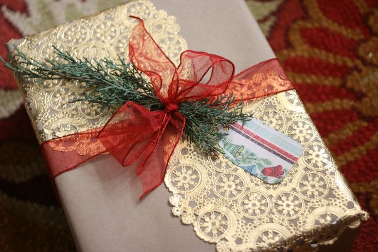 pretty yet simple gift wrappings