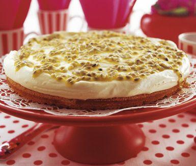 Frozen Lemon Mousse Cake (gluten free) / Fryst citronmoussetårta med passionsfrukt (glutenfri)