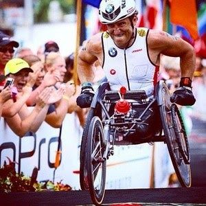 """Blog Esportivo do Suíço: """"Homem de Ferro"""", Zanardi completa Ironman do Havaí"""