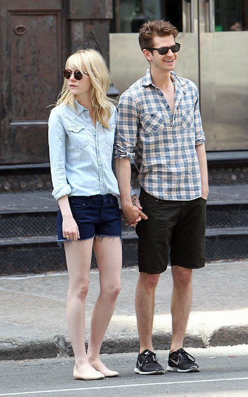 Emma and beau Andrew Garfield looks so good together in their casual street wear! ♥ Like my pins? Pls share and visit my celebrity site at http://www.celebritysizes.com/ ♥ #celebritysizes #emmastone #andrewgarfield