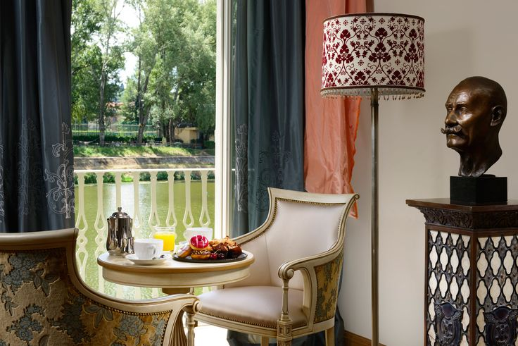 Ville sull'Arno luxury Hotel in Florence, Italy. Project by FZI, armchairs made by Venetasedie.