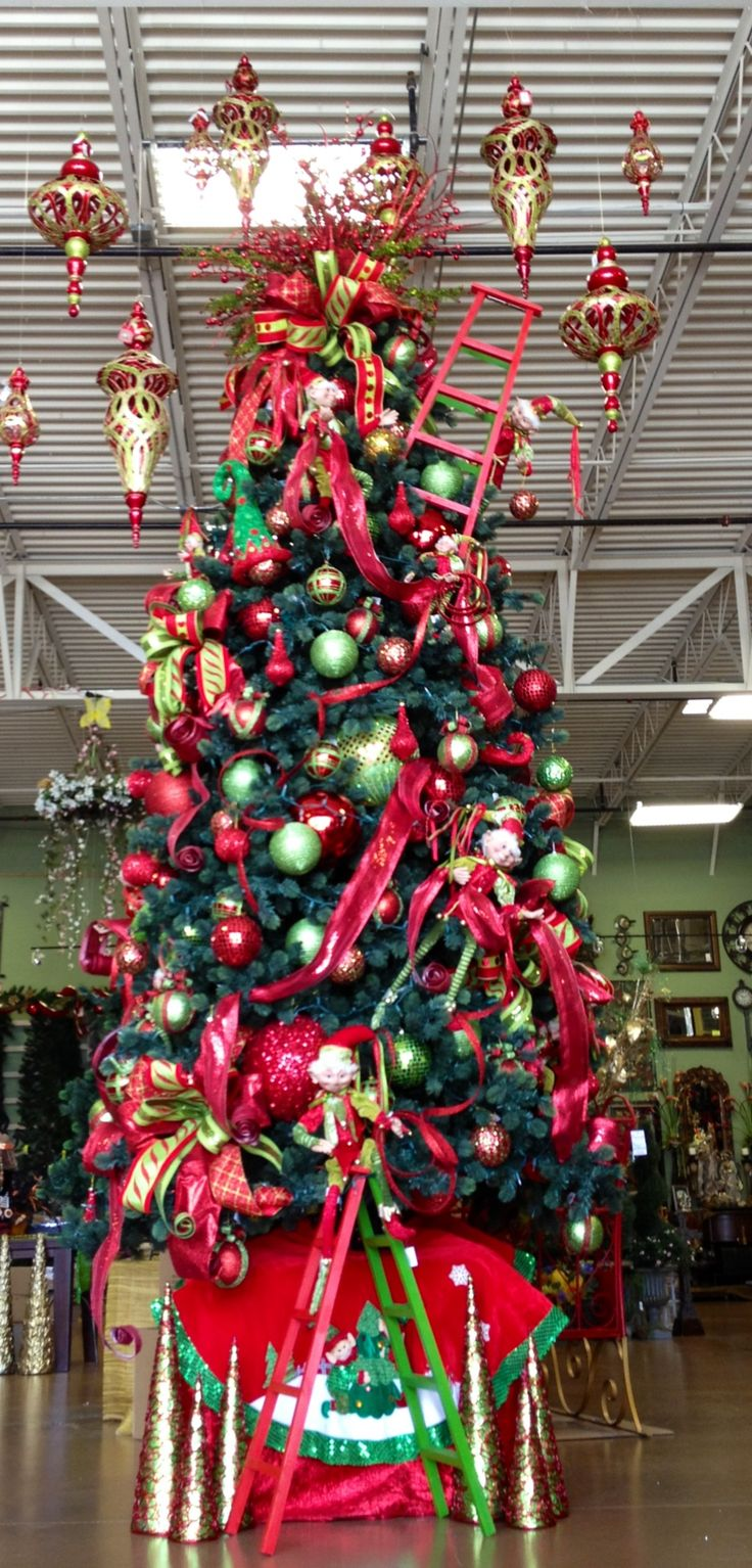 Christmas Tree designed by Lupita / Arcadia Floral & Home Decor