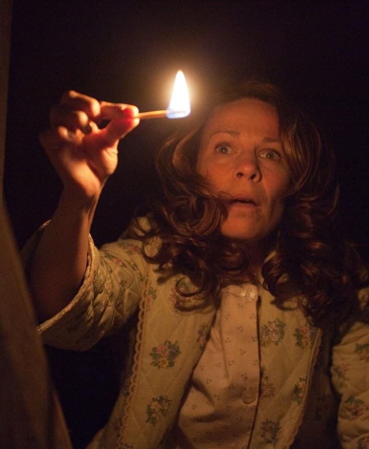 Lili Taylor as Carolyn Perron, The Conjuring 2013 American supernatural horror film directed by James Wan.[