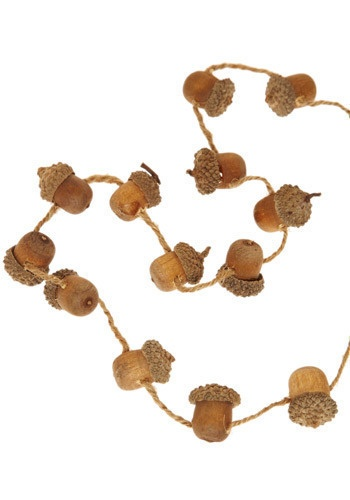 128 best acorns chestnuts pinecones images on pinterest christmas deco pine cones and - Acorn and chestnut crafts ...