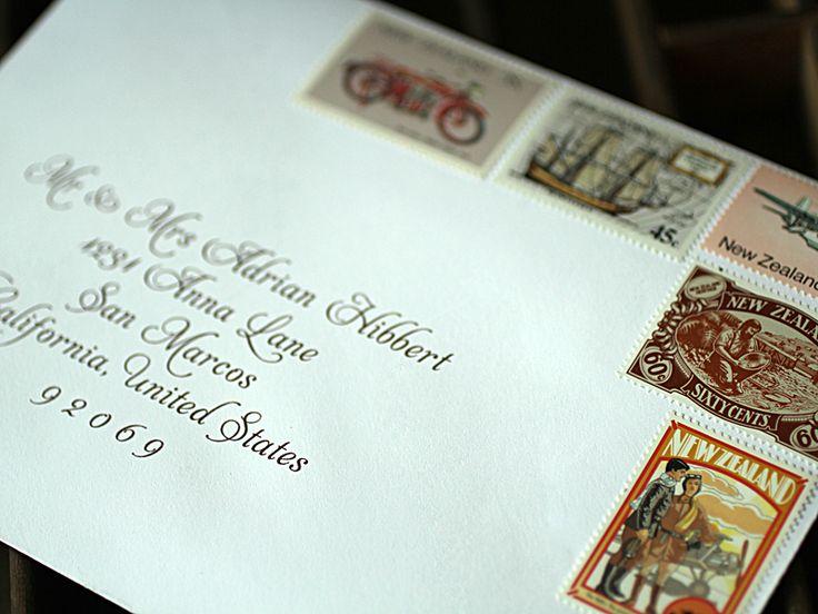 pranko ditempel banyak untuk mengirimkan undangan nikah diatas amplop ini