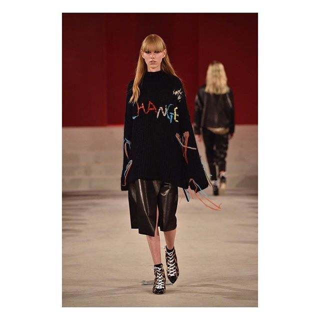 Change for the better 💕 #lalaberlin #lalaberlinfall17 #cphfw  #aw17 #2017 #fashion #trends #fashionweek #cphfw  #fashion #week #copenhagen #denmark #scandinavian #design #nordic #style #catwalk #red #leather #runway #model #fashionnews #trends #2017 #thewanderlette #blogger #change #statement #berlin