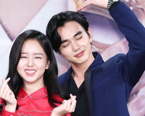 Kim So Hyun dan Yoo Seung Ho Masing-masing Menyebutkan Tipe Ideal