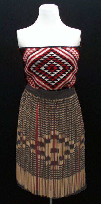 Female NZ Maori kapa haka dress/costume.  I embroidered a very similar Pari (bodice) to this one when my daughter joined an Australian based Kapa Haka group.