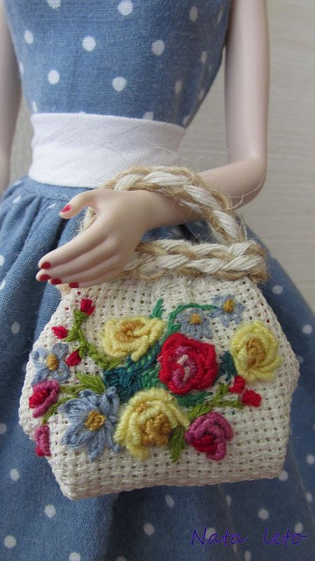 "Handbag for Barbie - almost vintage just needs to made with thinner wool for a more ""realistic"" look"