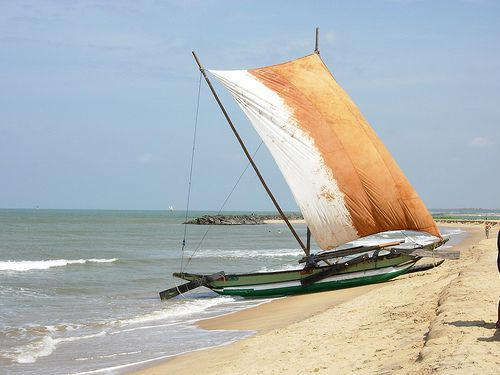 Fishing Boat, Negombo, Sri lanka (www.secretlanka.com)