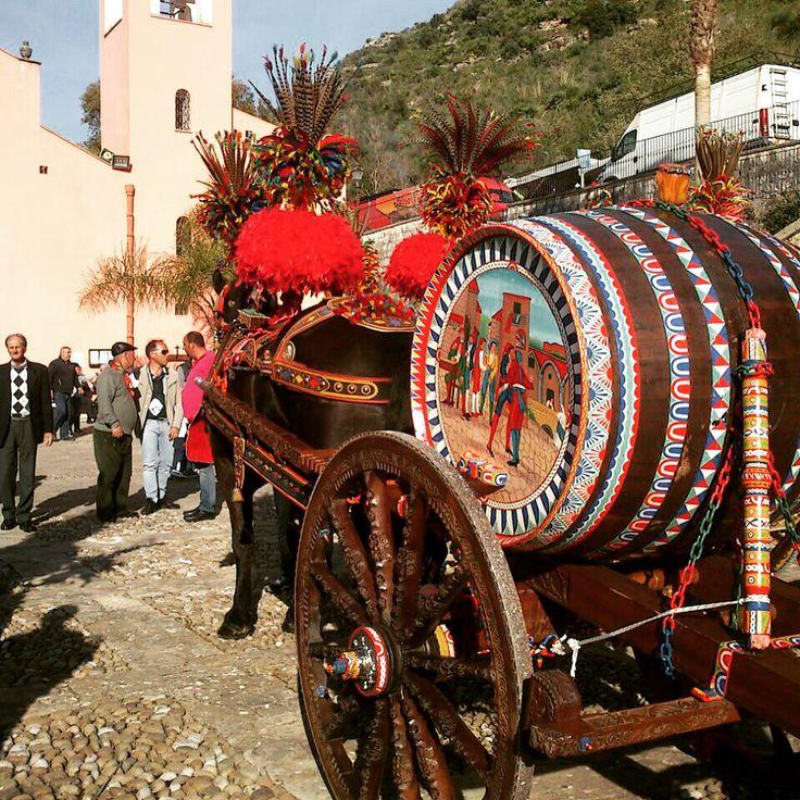 Il tradizionale carretto siciliano, esempio di un popolo ricco di storia