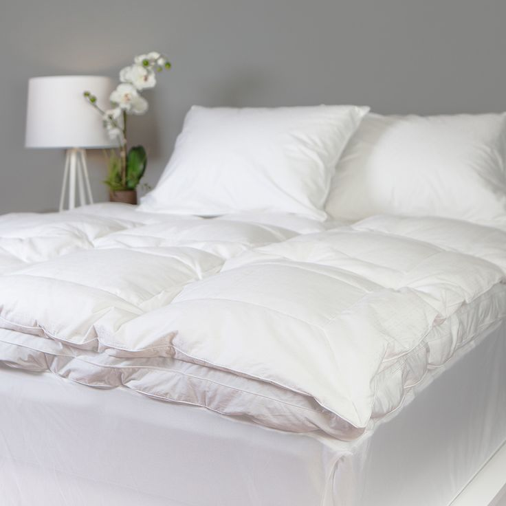 Grandeur Collection Overfilled 300 Thread Count Cotton Down and Goose Feather Bed - Overstock Shopping - Great Deals on Down Featherbeds