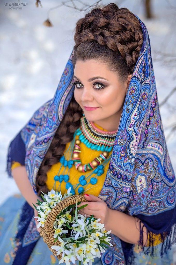 Испанский/ павловопосадский платок с шёлковой бахромой/