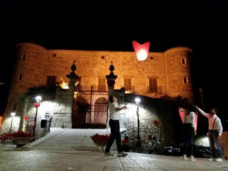 Notte Romantica Dei Borghi più Belli d'Italia: Ecco le alcune foto Noi di Borghi magazine siamo lieti di farvi rivivere la Notte Romantica dei Borghi più belli d'Italia, anche se solo in parte, con qualche scatto delle iniziative da alcuni borghi. Ringraziamo i par #viaggi #borghi #notteromantica #turismo