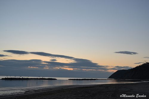 Alba sulla spiaggia di Gabicce Mare (PU) #mare #alba #spiaggia #sanbartolo