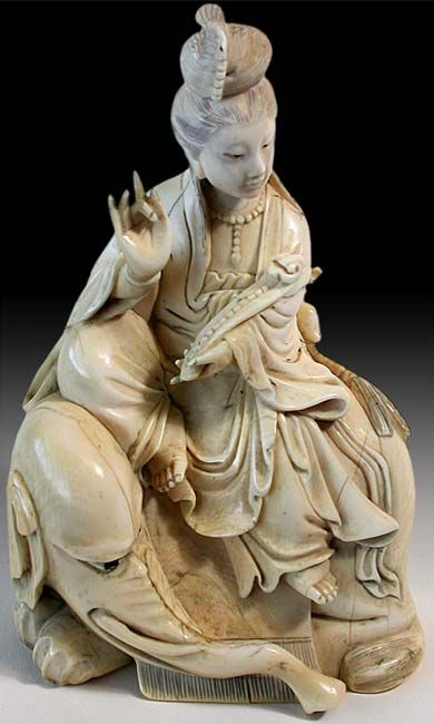 """Shuni mudra, the """"seal of patience"""". Quanyin Seated On White Elephant. Late Qing, ca. late 19th - early 20th Century"""