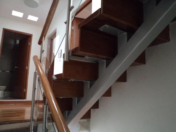 M s de 1000 ideas sobre escaleras de acero inoxidable en for Escalera 5 pasos afuera