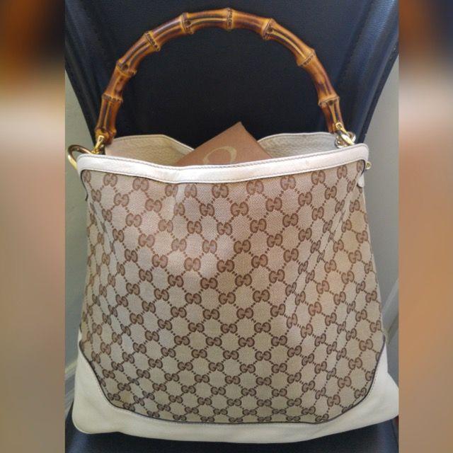 gucci-monogram-gg-diane-bamboo-handle-shoulder-bag-ivory-pebbled-leather-free-ship