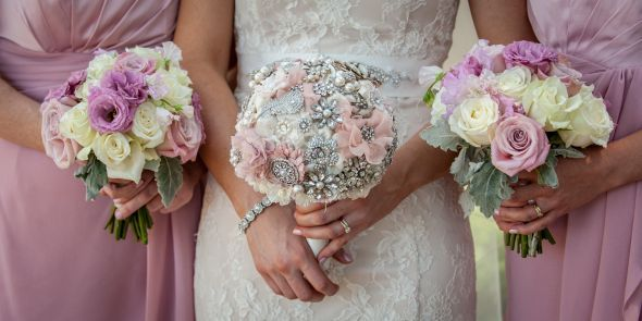 Our bouquets (brooch & fresh) :  wedding bridesmaids brooch bouquet diy flowers inspiration ivory pink pink flowers Davidinga 519