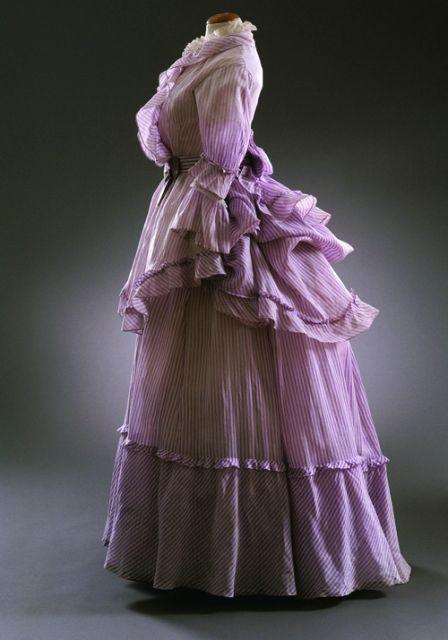 Summer dress, 1872-74 From the Musée du Costume et de la...
