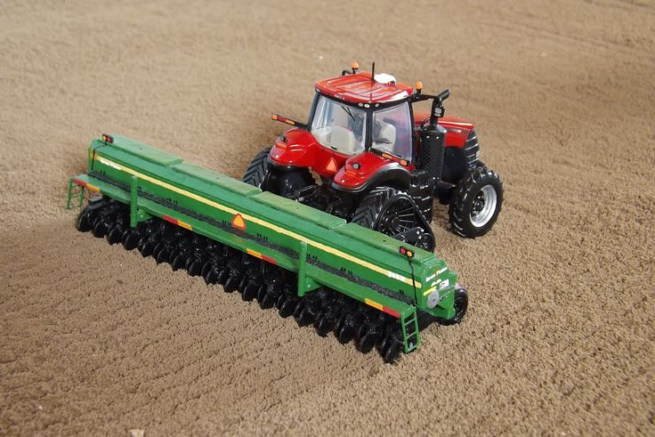 Model Farm Monday Week 179 | Customs & Display Journals ® | Toy Talk | The Toy Tractor Times Online Magazine