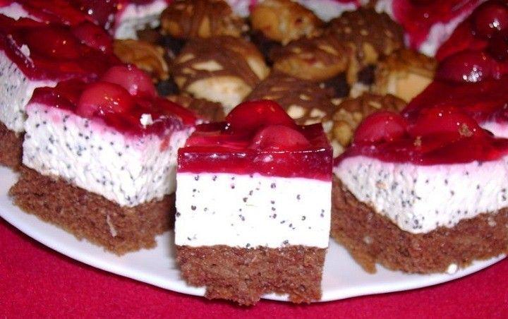 Ínycsiklandó túrós mákos szelet, meggy bevonattal – mutatós sütike, amivel nem lehet betelni! - MindenegybenBlog
