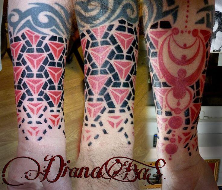 Nice geometric tattoo by Dia