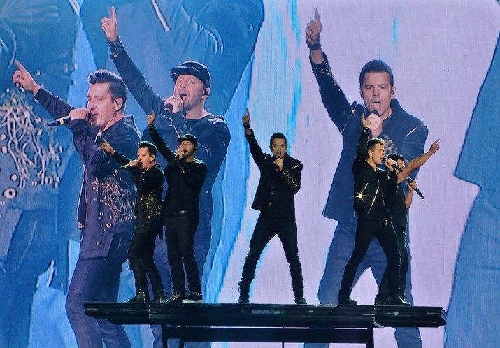Review: New Kids on the Block bring old-school fantasies to life at Tampa's Amalie Arena | Tampa Bay Times and tbt*