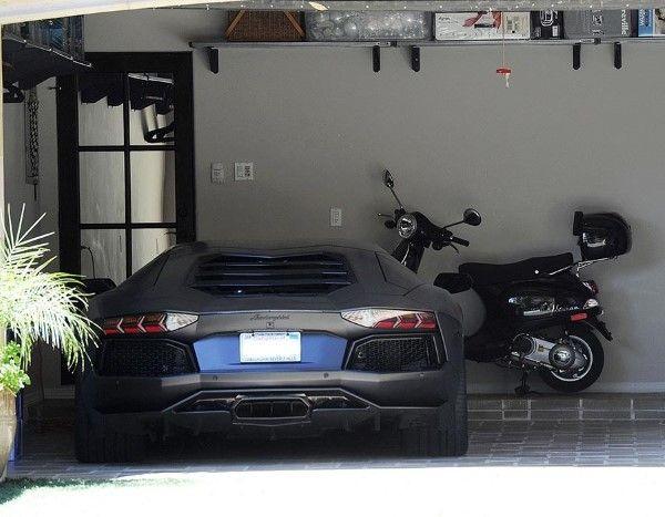 Lamborghini Aventador (© Rex Features)