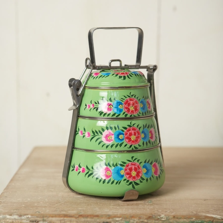 Lovely tiffin set - for the fanciest pantsiest picnic ever ;-)