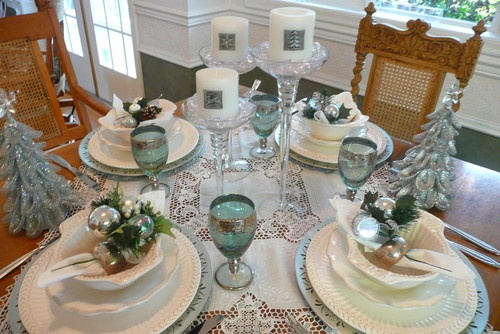 Winter tablescape...............