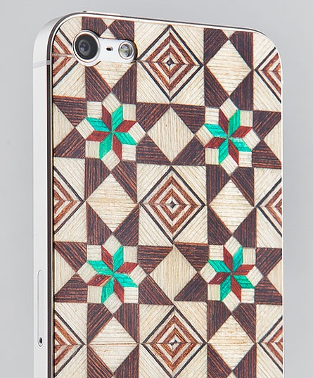 Taracea wood skins for iPhone5 - SABIKA FOREST