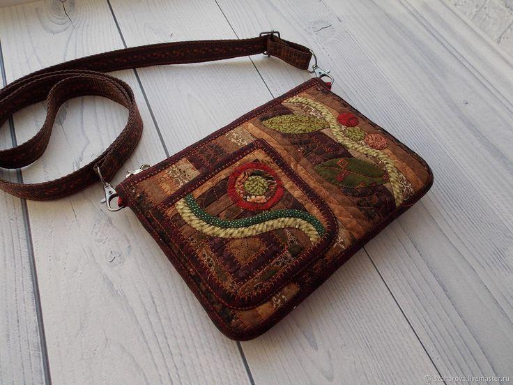 Маленькая лоскутная сумочка с ручной аппликацией, Для телефона,Пэчворк – купить в интернет-магазине на Ярмарке Мастеров с доставкой