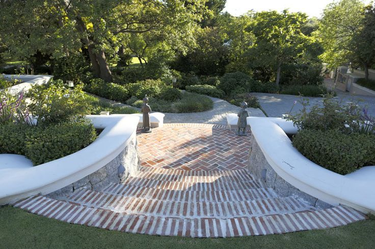 CARRIE LATIMER, Landscape designer - Silverhurst Estate 17