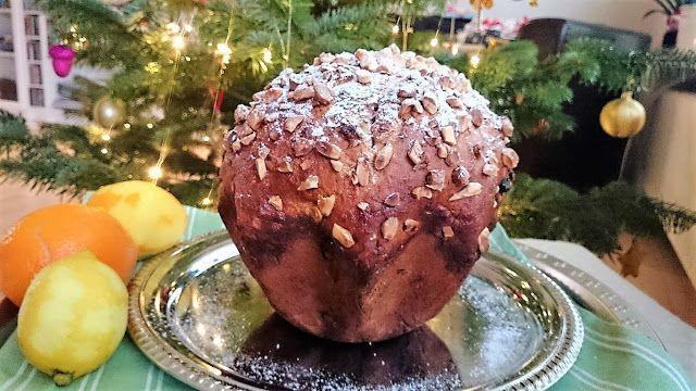 Sara B. Hansen.Sidste år bagte jeg dette skønneitalienske søde julebrød og jeg tror det skal klemmes ind igen i år.Jeg synes godt at det kan blive lidt for meget med alverdens tørret og kandiseret fr