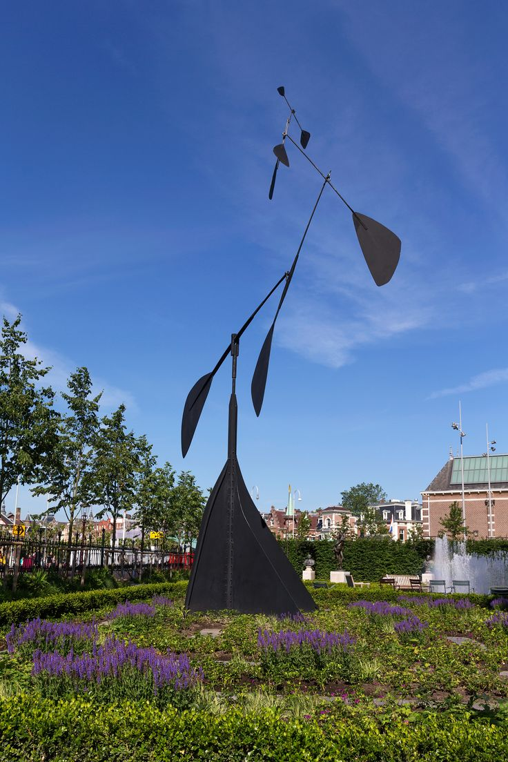 Fourteen monumental sculptures by the American artist Alexander Calder are displayed in the Rijksmuseum's free accessible 'outdoor gallery - La Spirale, 1958 Unesco Works of Art Collection © 2014 Calder Foundation, New York / Artists Rights Society, New York. Photo's: Olivier Middendorp