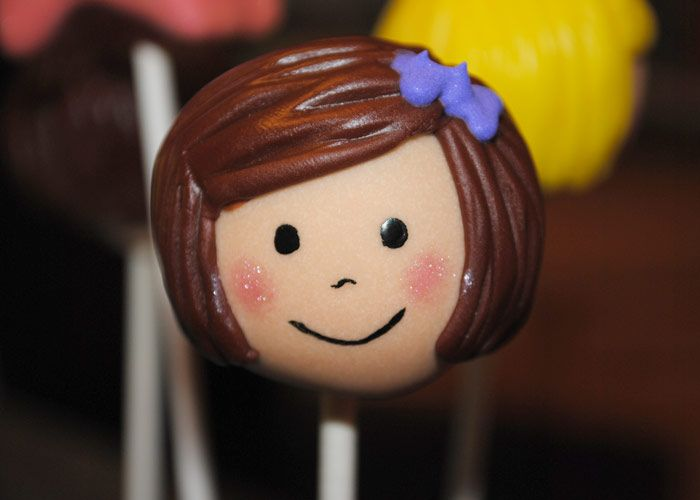 American Girl cake pops! So adorable and great for birthday parties, book clubs, etc.